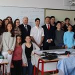 le-ministre-va-a-la-rencontre-des-eleves-de-la-classe-de-l-enseignant-christophe-disdier