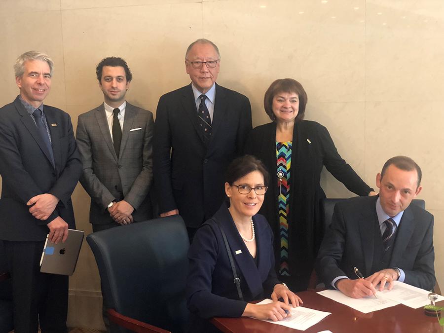 Signature partenariat LAVAL